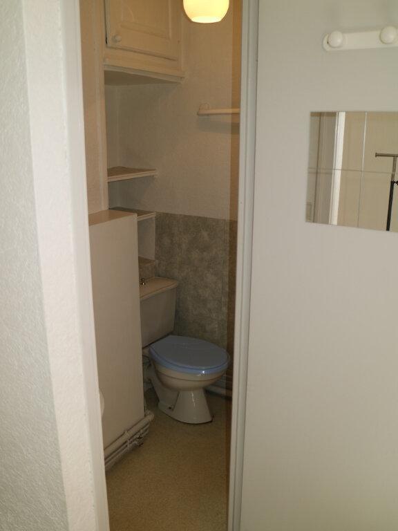 Appartement à louer 1 32m2 à Mende vignette-7