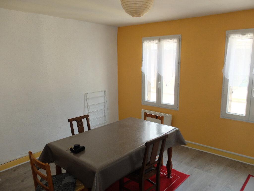 Appartement à louer 4 55m2 à Mende vignette-3