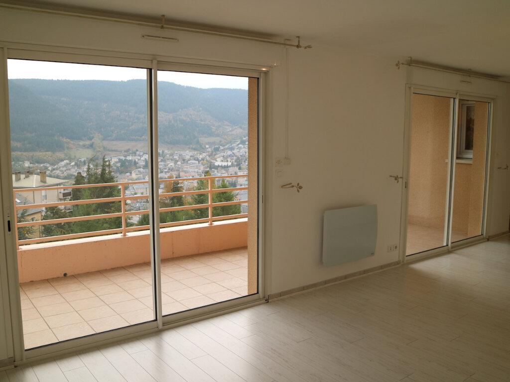 Appartement à louer 3 69m2 à Mende vignette-3
