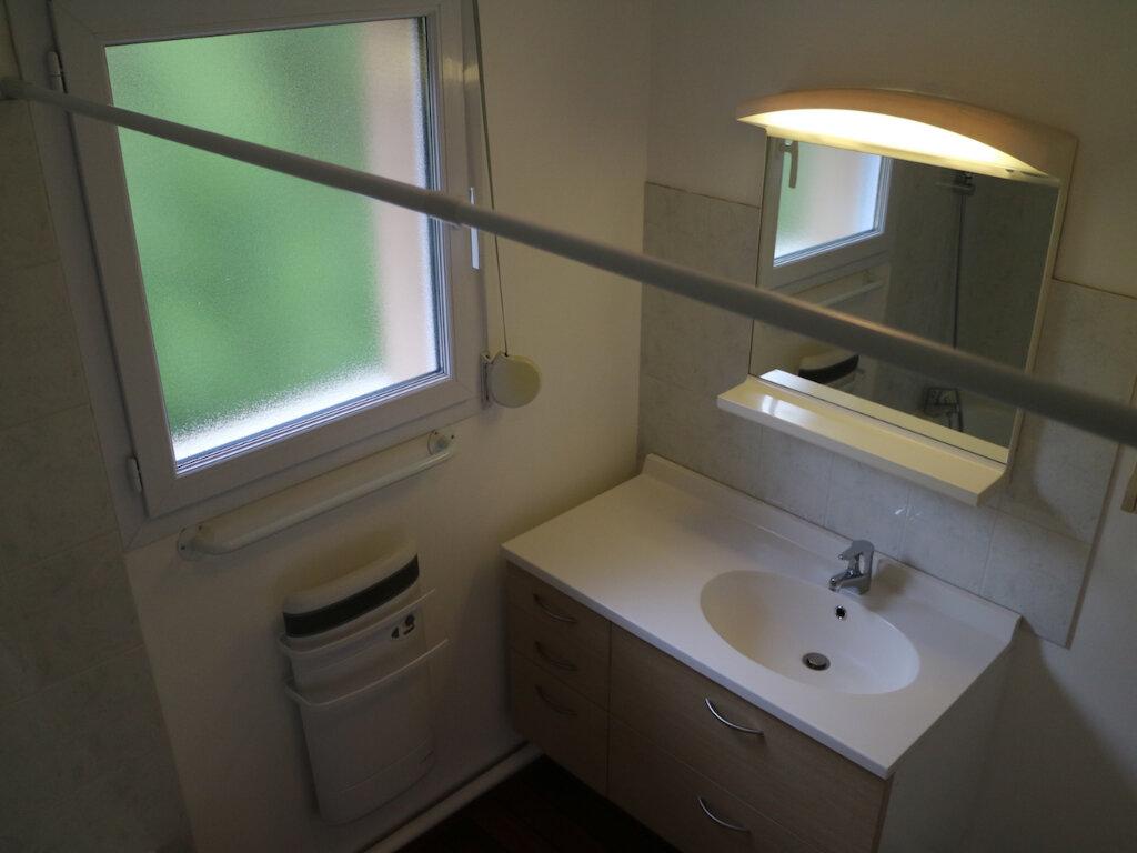Appartement à louer 3 69m2 à Mende vignette-8