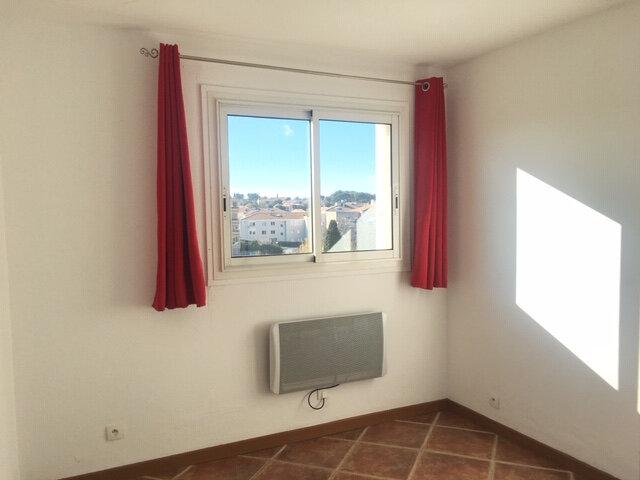 Appartement à louer 2 35m2 à Six-Fours-les-Plages vignette-2