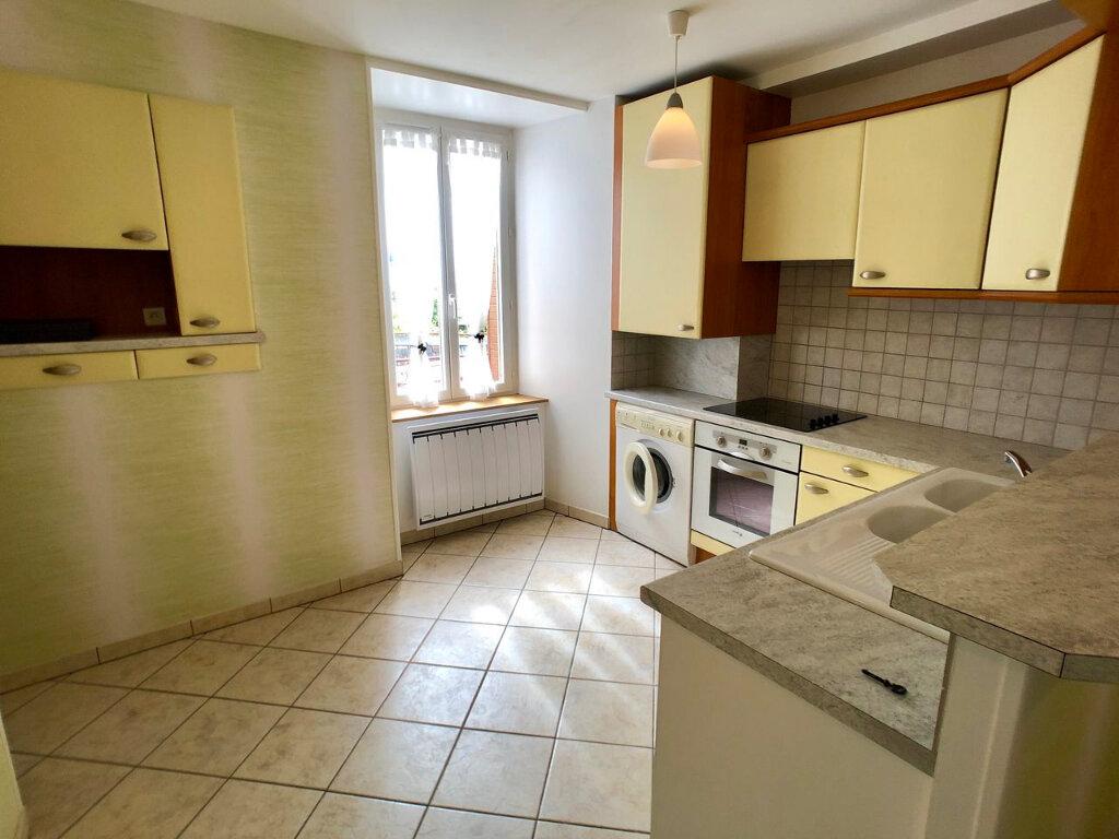 Appartement à louer 2 57m2 à Mende vignette-2