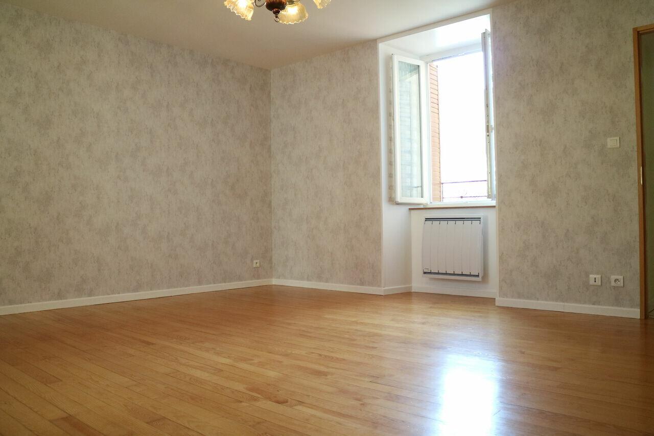 Appartement à louer 2 57m2 à Mende vignette-4