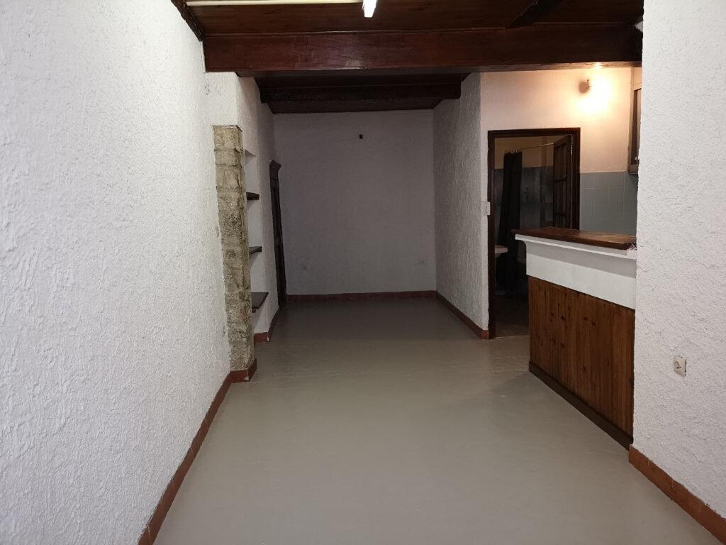 Appartement à louer 1 20m2 à Ollioules vignette-1