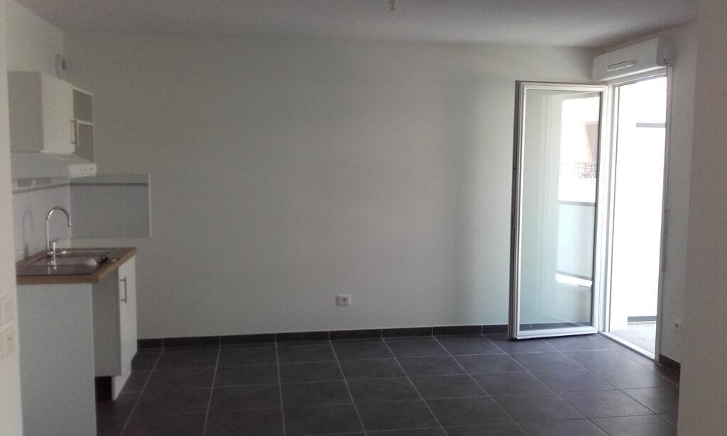 Appartement à louer 2 45.45m2 à La Seyne-sur-Mer vignette-1