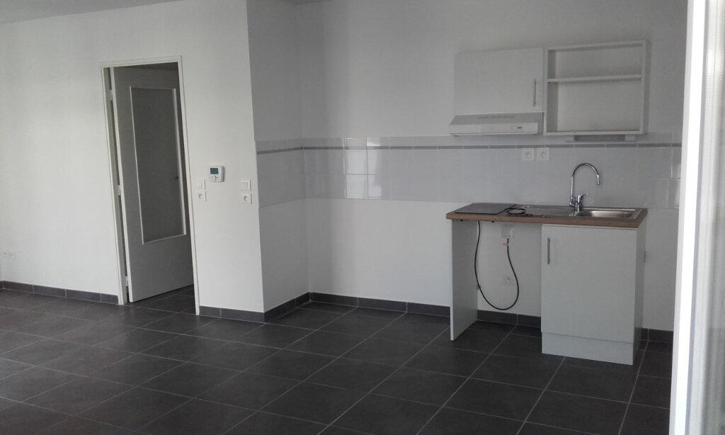Appartement à louer 2 45.45m2 à La Seyne-sur-Mer vignette-2