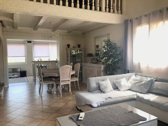Maison à vendre 7 215m2 à Sanary-sur-Mer vignette-3