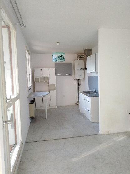 Appartement à louer 2 56m2 à La Seyne-sur-Mer vignette-3