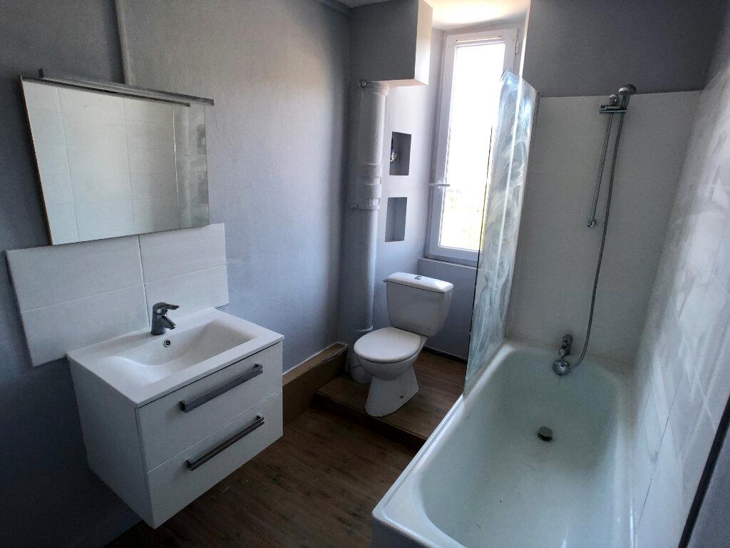 Appartement à louer 3 70m2 à Mende vignette-4