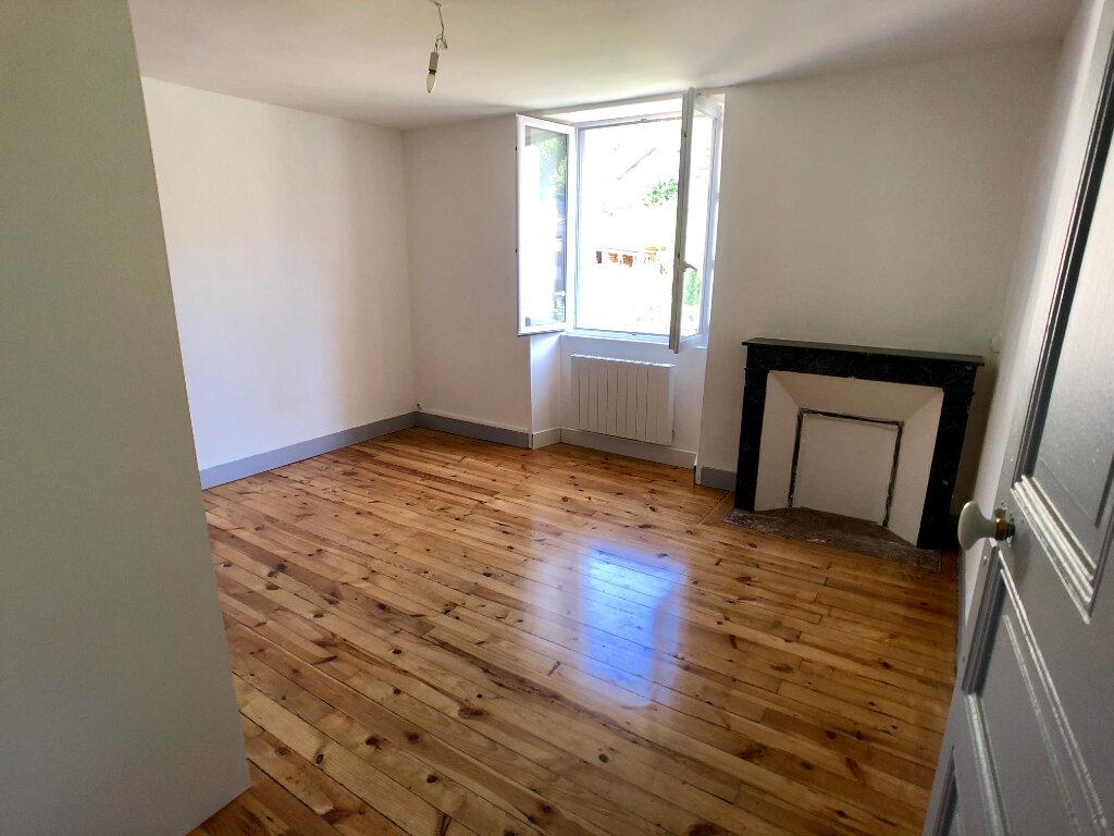 Appartement à louer 3 70m2 à Mende vignette-5