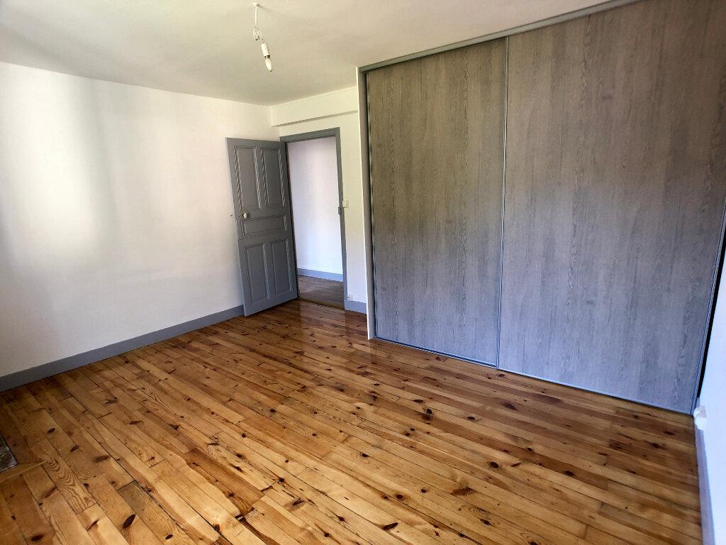 Appartement à louer 3 70m2 à Mende vignette-7