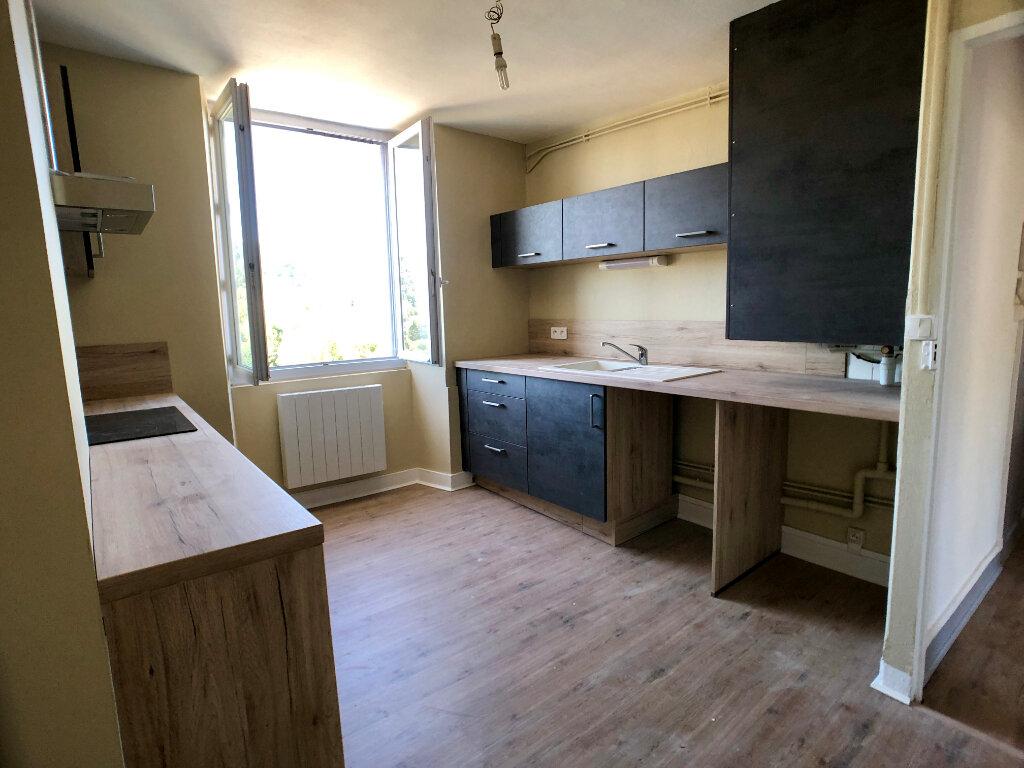 Appartement à louer 3 70m2 à Mende vignette-8