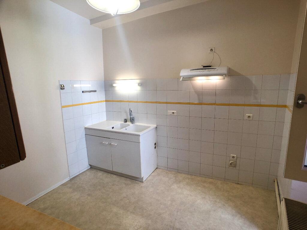 Appartement à louer 3 73m2 à Mende vignette-2