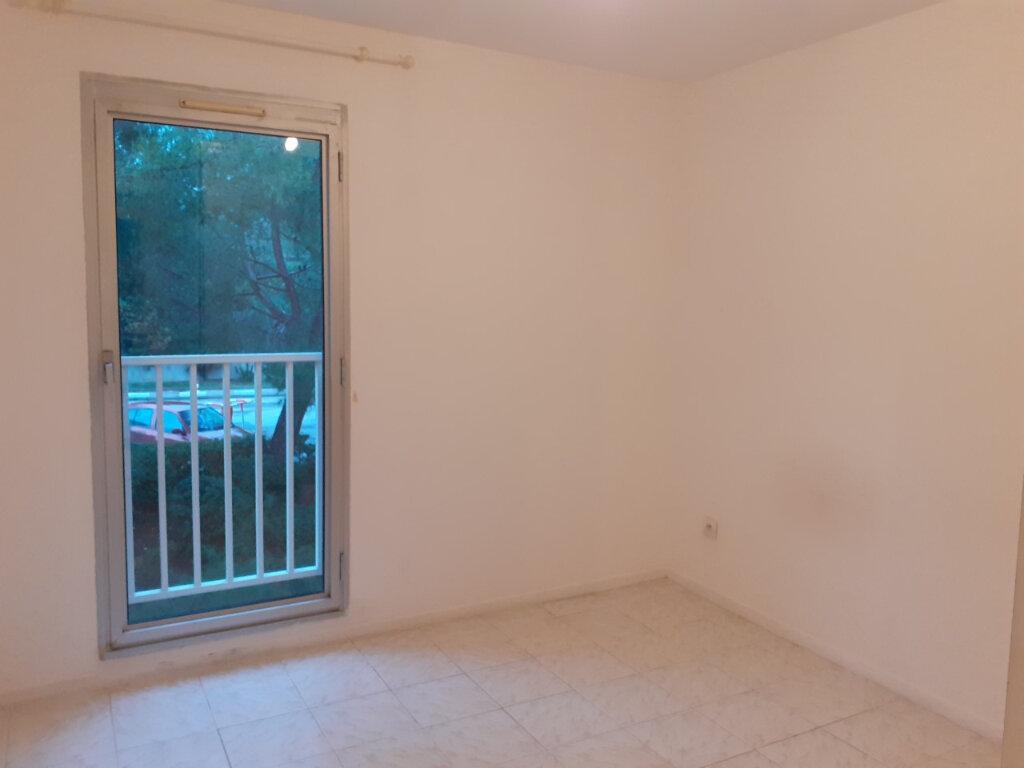 Appartement à louer 2 48m2 à La Seyne-sur-Mer vignette-5