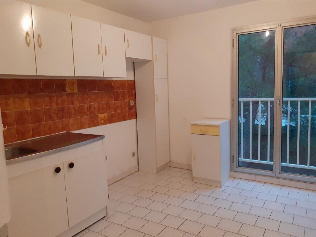 Appartement à louer 2 48m2 à La Seyne-sur-Mer vignette-8