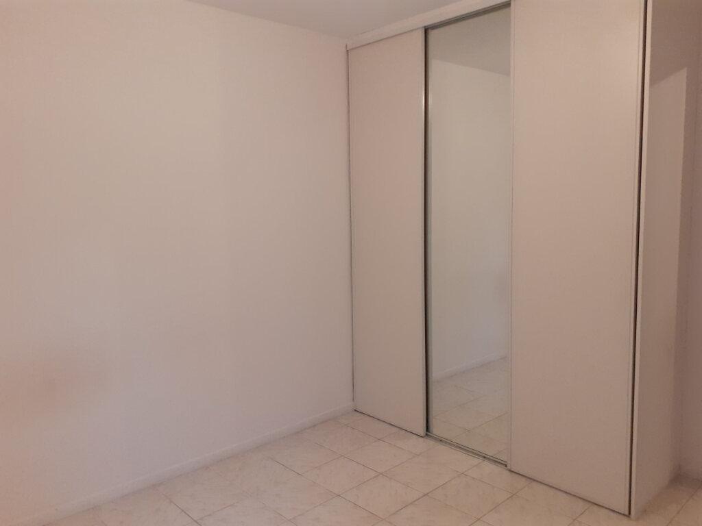 Appartement à louer 2 48m2 à La Seyne-sur-Mer vignette-9