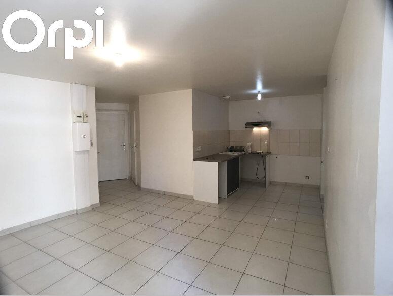 Appartement à louer 2 30m2 à Mende vignette-1