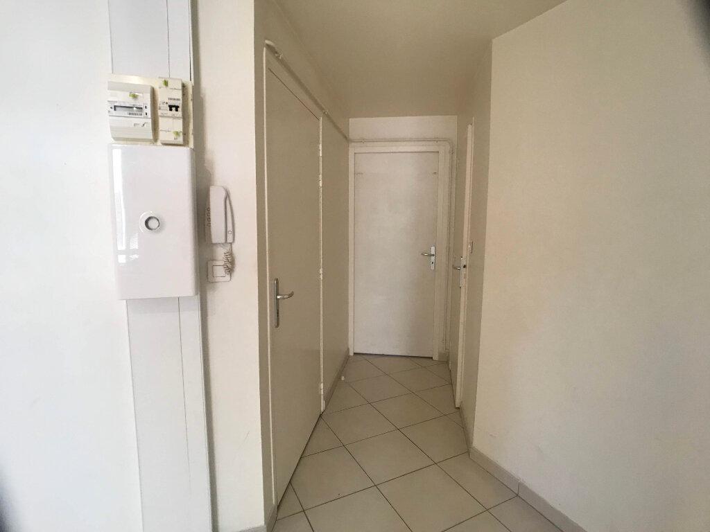 Appartement à louer 2 30m2 à Mende vignette-4