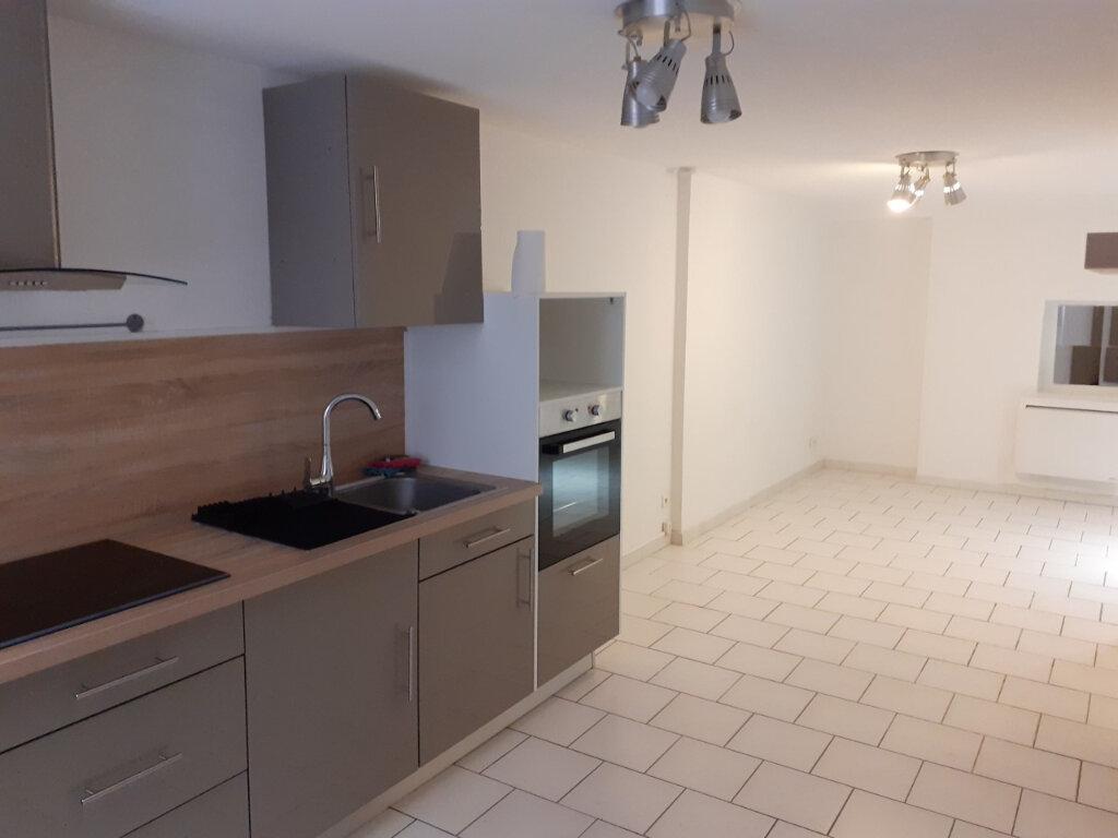 Appartement à louer 1 30m2 à Ollioules vignette-2