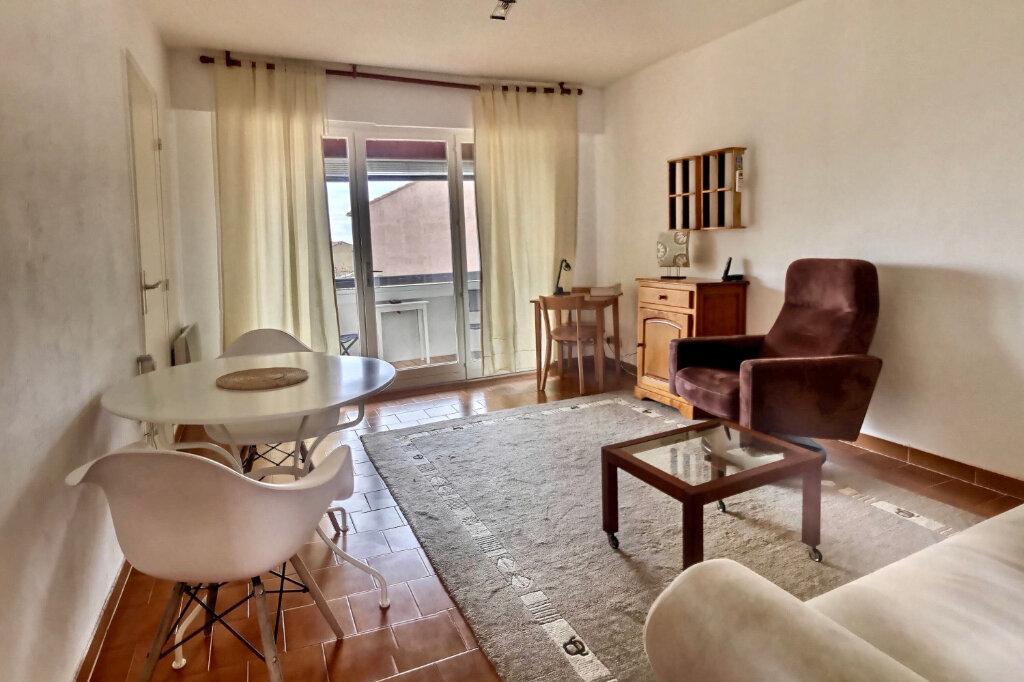 Appartement à vendre 2 38m2 à Six-Fours-les-Plages vignette-1