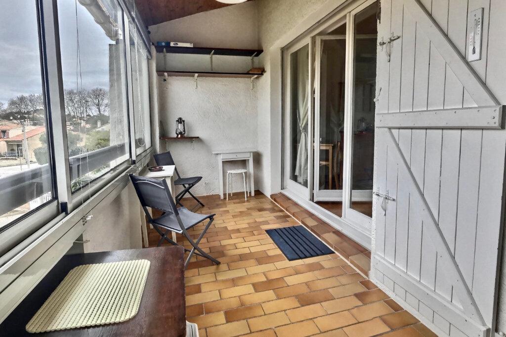 Appartement à vendre 2 38m2 à Six-Fours-les-Plages vignette-2