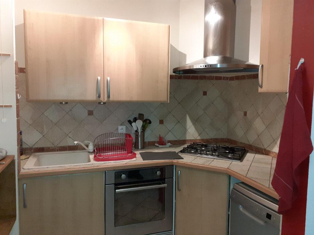 Appartement à louer 2 40m2 à Toulon vignette-2