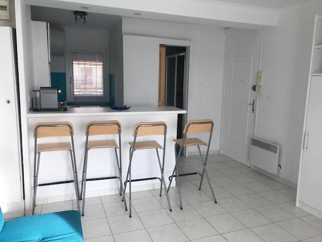 Appartement à vendre 1 27m2 à Six-Fours-les-Plages vignette-1