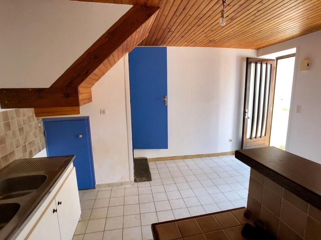 Maison à louer 3 41m2 à Mende vignette-2