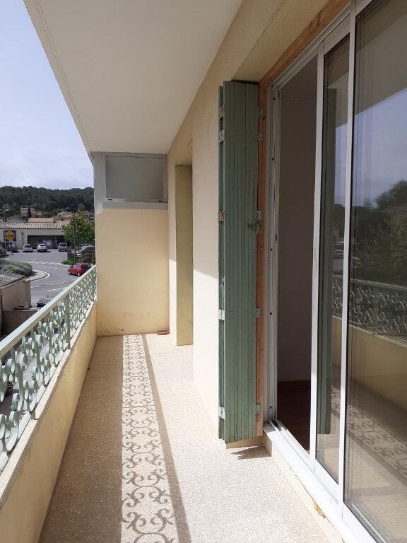 Appartement à louer 3 57m2 à Six-Fours-les-Plages vignette-1
