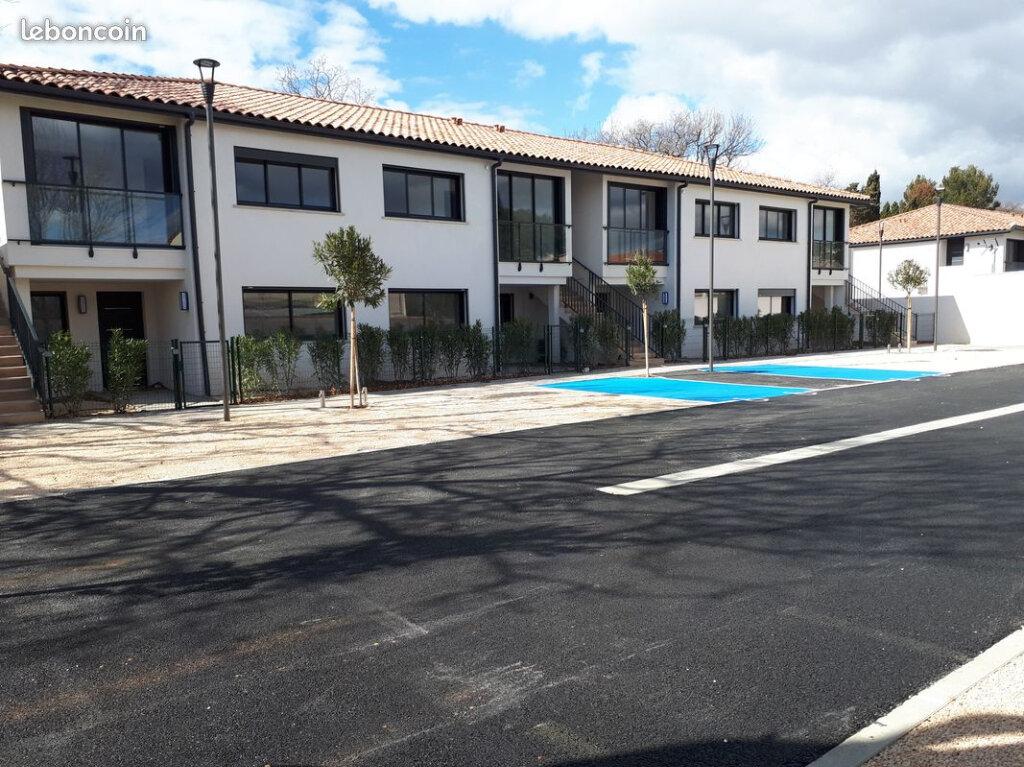 Appartement à louer 3 75m2 à La Seyne-sur-Mer vignette-4
