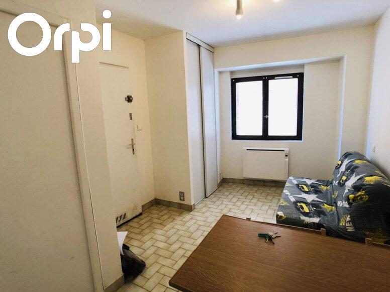 Appartement à louer 1 17m2 à Marvejols vignette-1