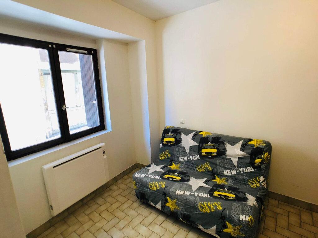 Appartement à louer 1 17m2 à Marvejols vignette-2