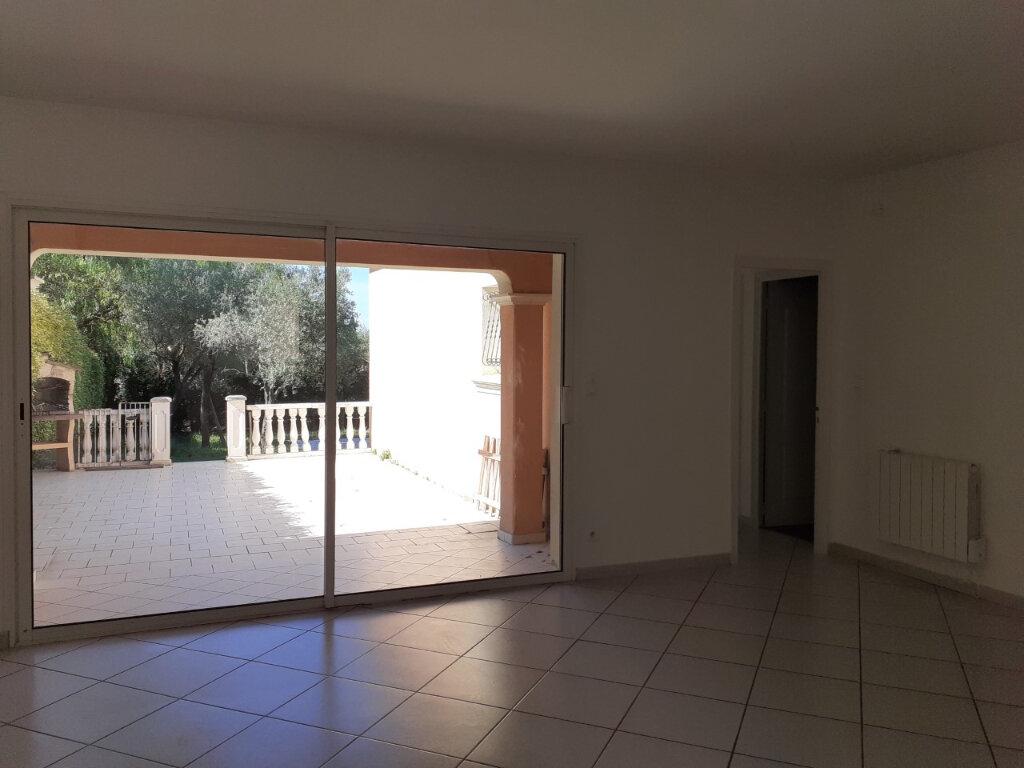 Maison à louer 4 110m2 à Sanary-sur-Mer vignette-5