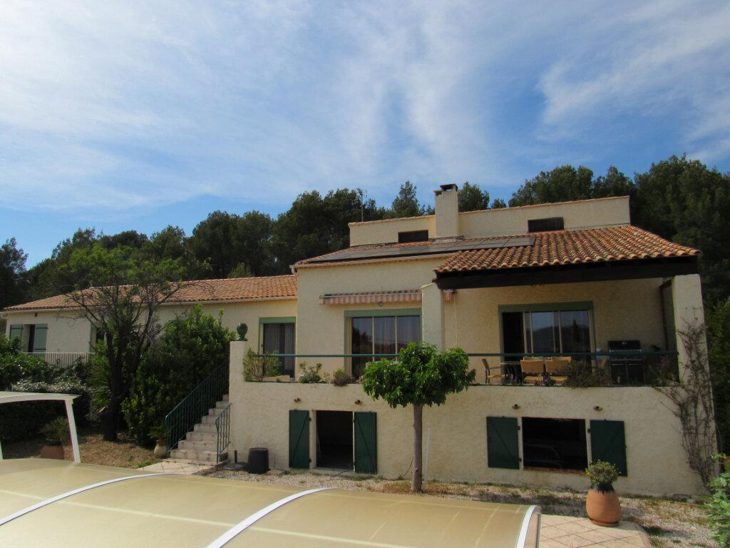 Maison à vendre 8 225m2 à La Cadière-d'Azur vignette-1