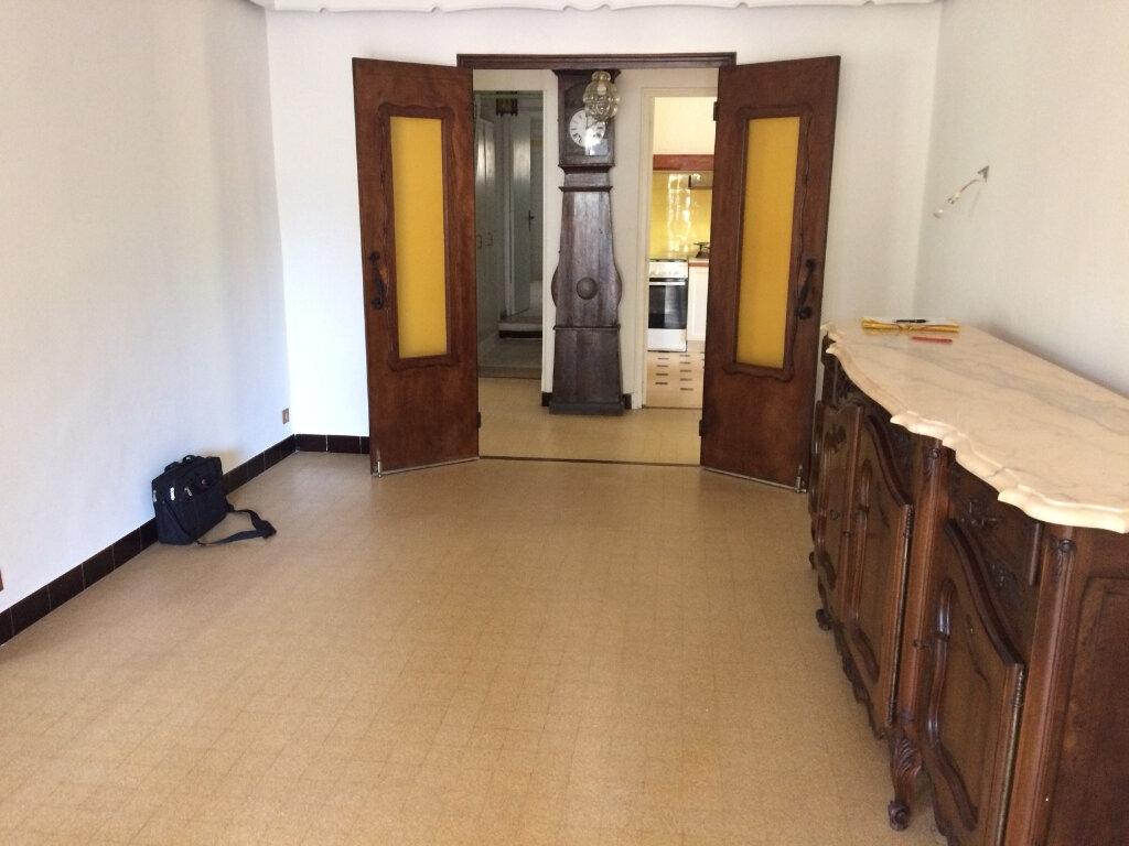 Maison à vendre 7 232m2 à Saint-Cyr-sur-Mer vignette-7