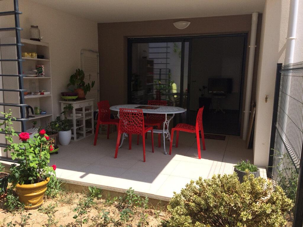 Appartement à vendre 1 25m2 à Saint-Cyr-sur-Mer vignette-2