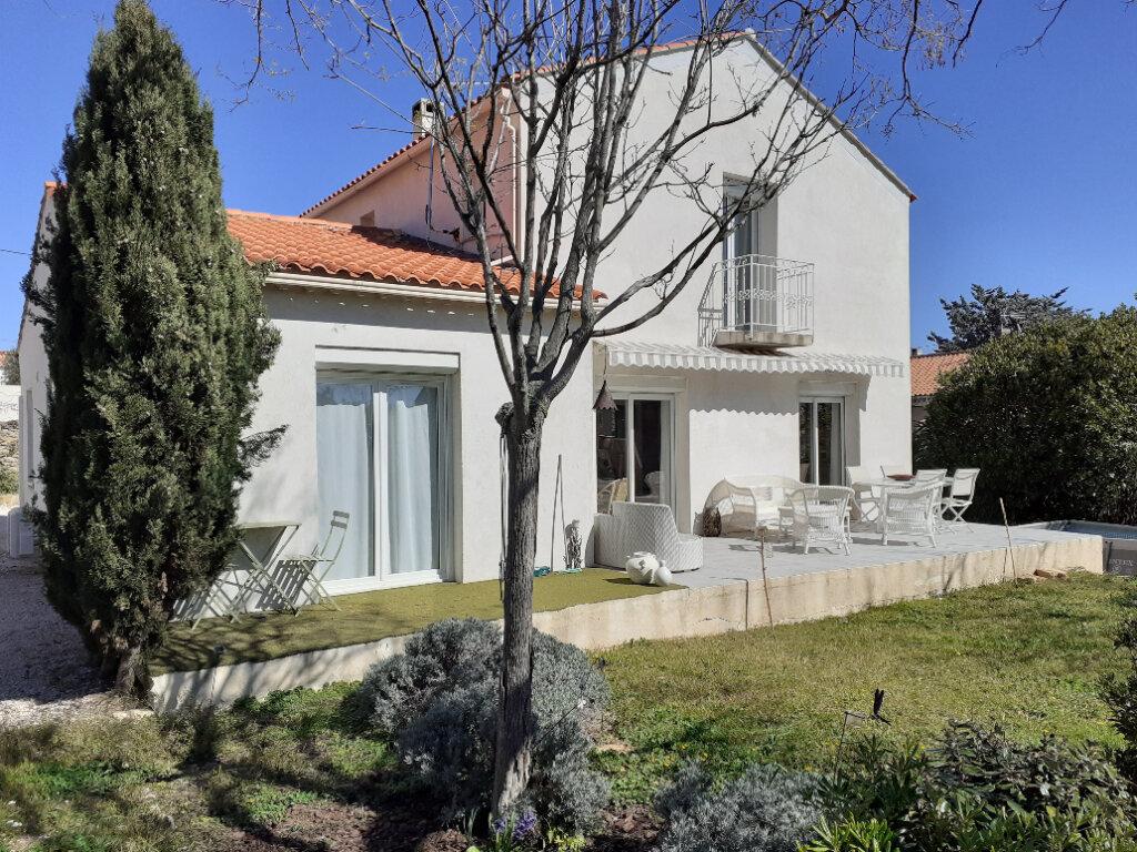 Maison à vendre 8 200m2 à La Ciotat vignette-1