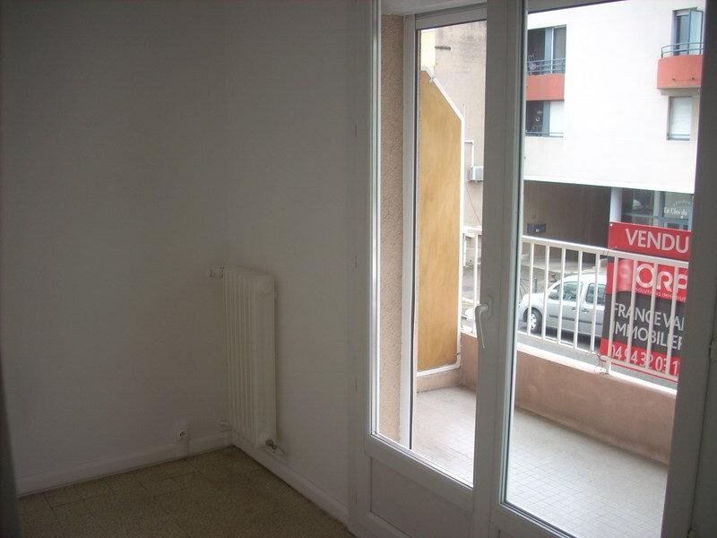 Appartement à louer 4 66m2 à La Ciotat vignette-1