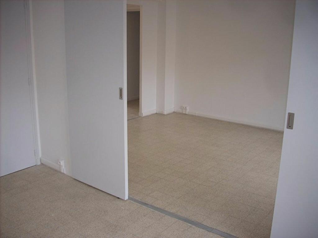 Appartement à louer 4 66m2 à La Ciotat vignette-3