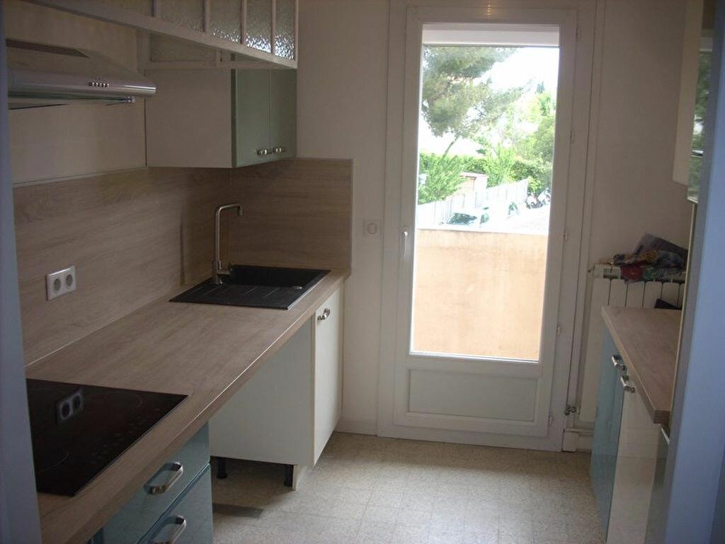 Appartement à louer 4 66m2 à La Ciotat vignette-5