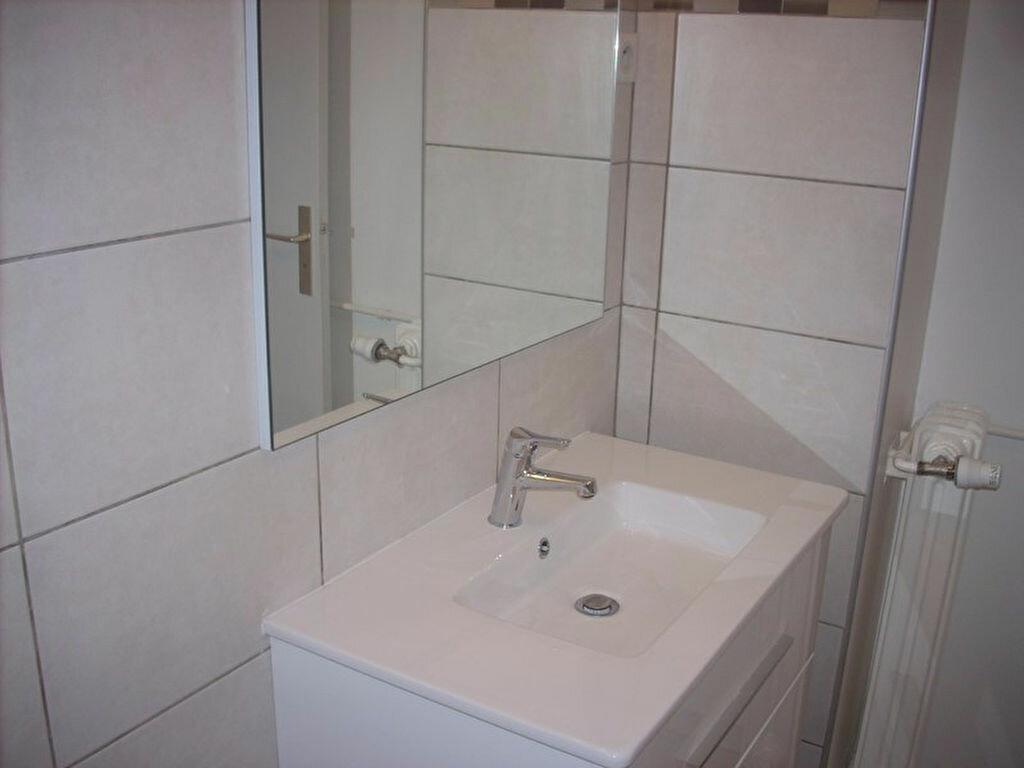 Appartement à louer 4 66m2 à La Ciotat vignette-6