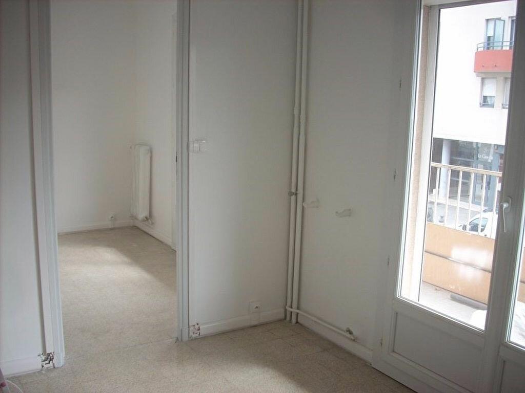 Appartement à louer 4 66m2 à La Ciotat vignette-8