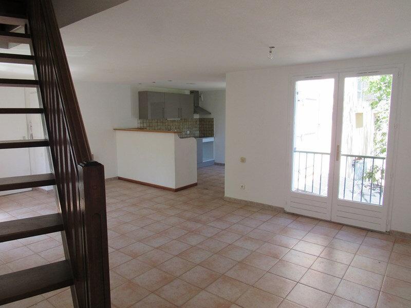 Appartement à vendre 3 68m2 à Saint-Cyr-sur-Mer vignette-1