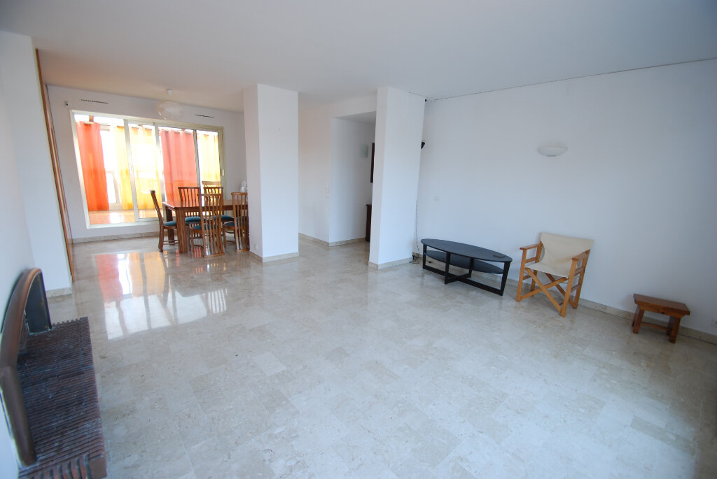 Appartement à louer 4 98.78m2 à Antibes vignette-2