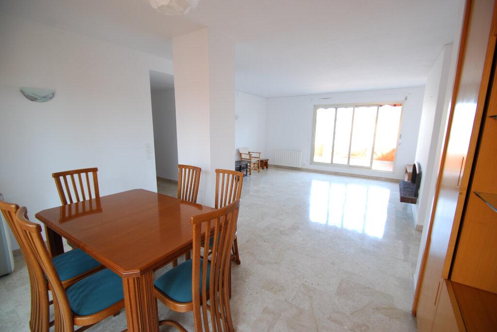 Appartement à louer 4 98.78m2 à Antibes vignette-3