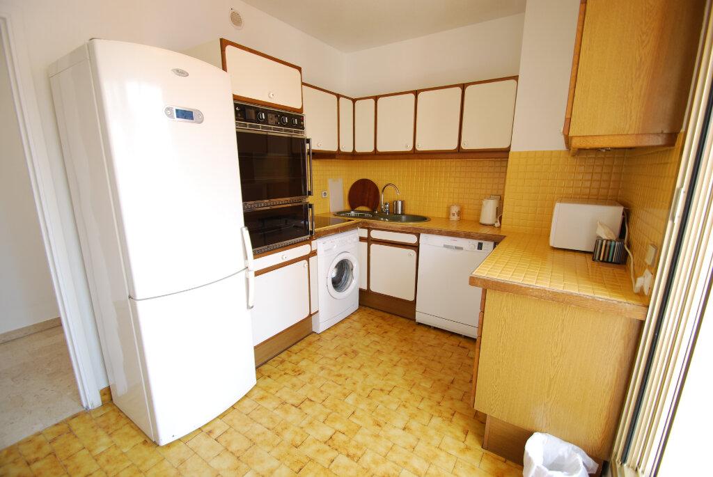 Appartement à louer 4 98.78m2 à Antibes vignette-5