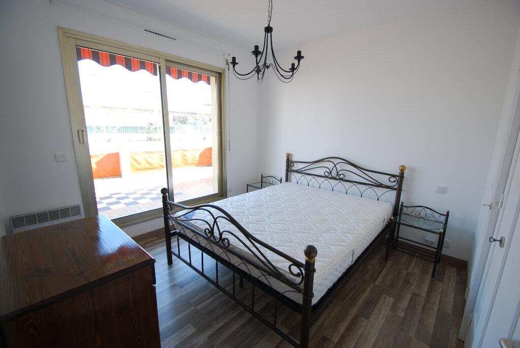Appartement à louer 4 98.78m2 à Antibes vignette-6