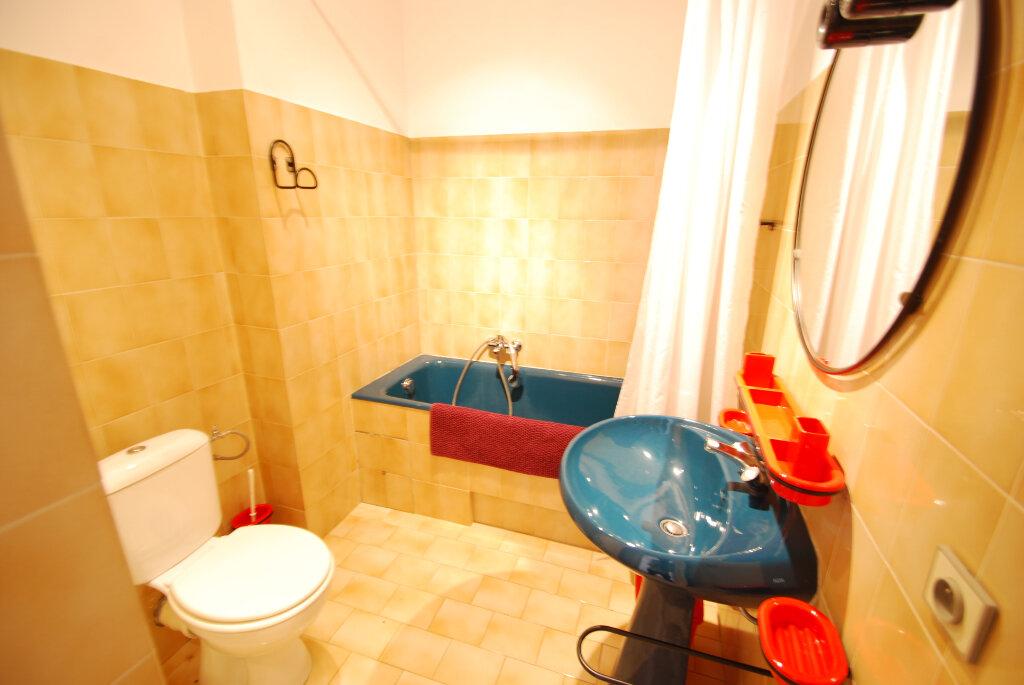 Appartement à louer 4 98.78m2 à Antibes vignette-9