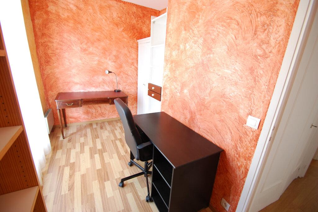 Appartement à louer 4 98.78m2 à Antibes vignette-10