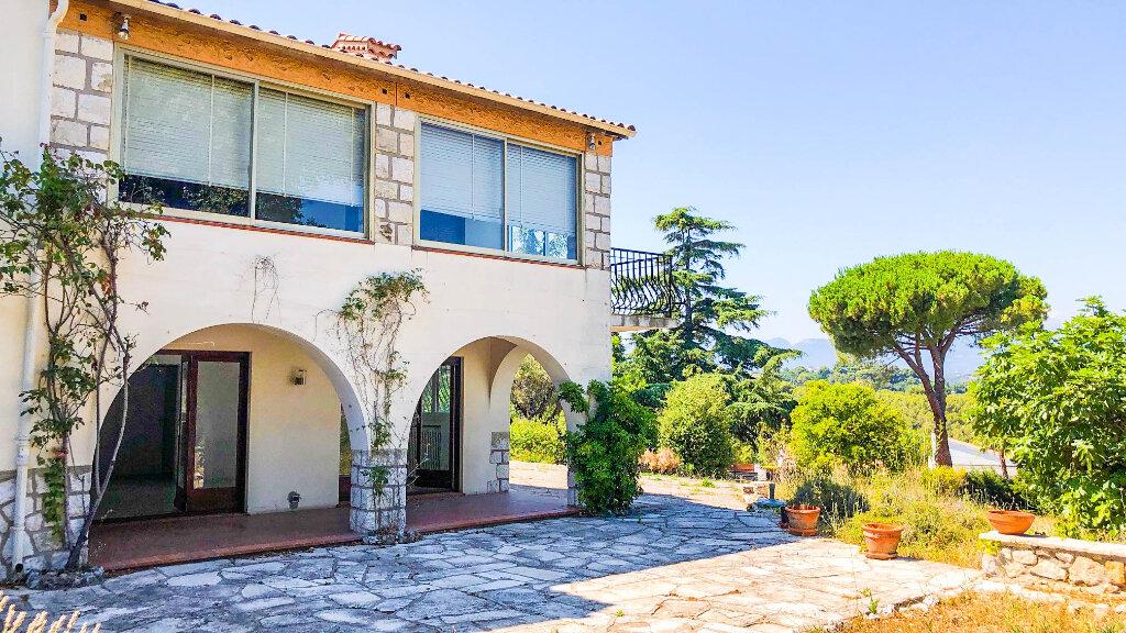 Maison à vendre 7 250m2 à Antibes vignette-1